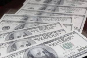 Кому выгодно прекращение долларовых операций